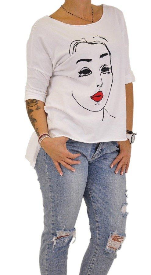 Bluzka biała z motywem twarzy kobiety
