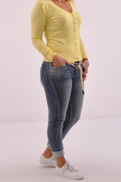 Klasyczny żółty sweterek na guziczki