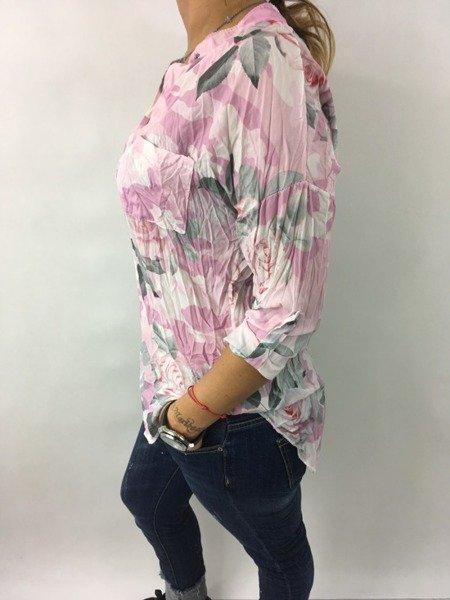 Koszula różowa w kwiaty.