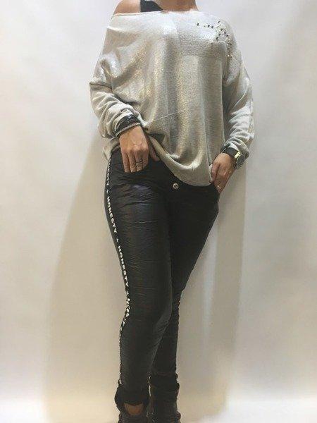 Spodnie czarne z eko skóry lampas napisy M