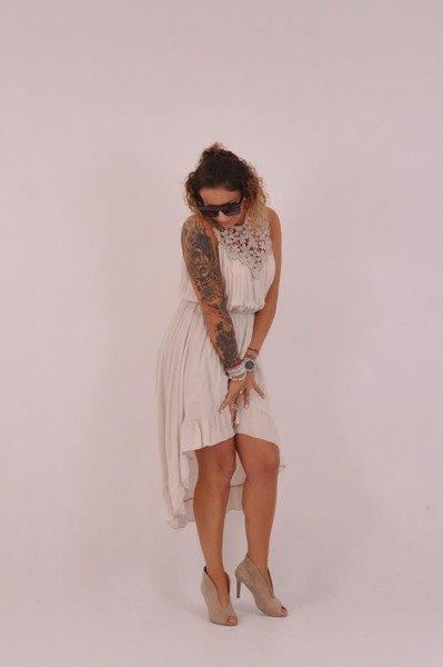 Sukienka beż przód krótszy