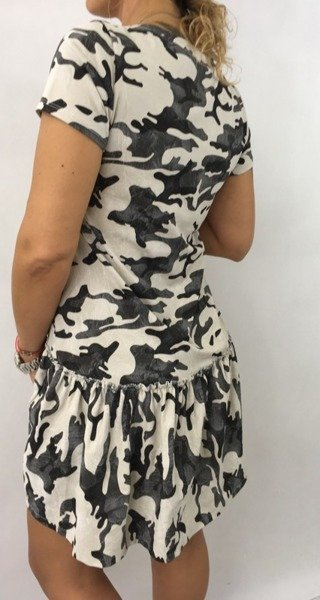 Sukienka moro bezowa.