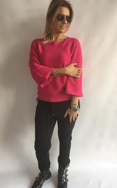 Sweter róż prążek