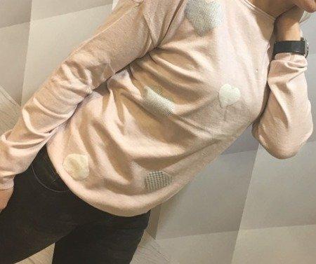 Sweter różowy w serca