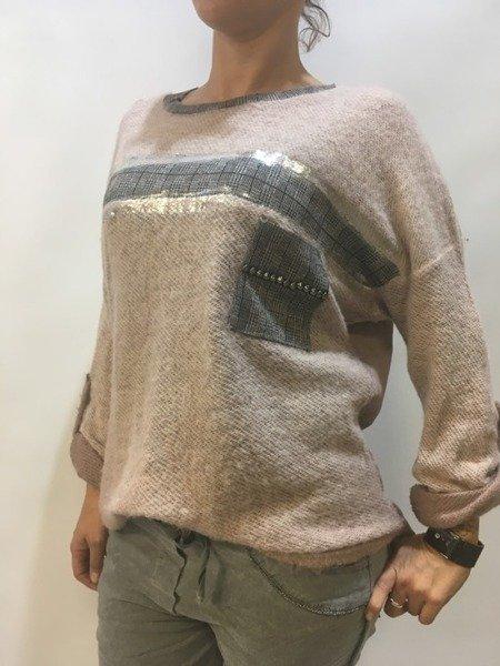 Sweter srebrna kieszeń.