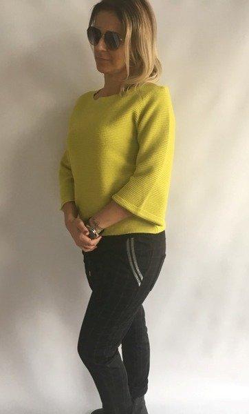 Sweter zielony w prążek