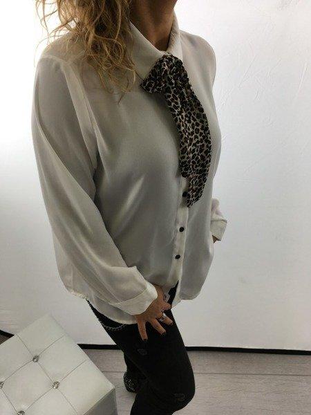 Świąteczna biała koszula z ozdobnym wiązaniem