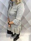 Sukienka popielata z plisowanym dołem