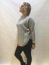 Sweter szary z półokrągłym wykończeniem
